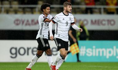 Группа J. Разгромы от Германии и Исландии, минимальная победа Румынии