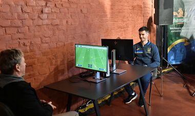 ФОТО. Они сыграли в FIFA 22. Тренировка сборной на Арене Львов