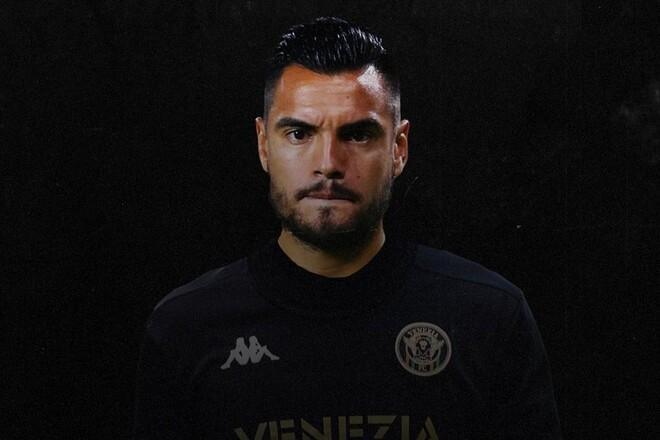 Венеция подписала экс-вратаря Манчестер Юнайтед