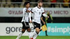 Група J. Розгроми від Німеччини та Ісландії, мінімальна перемога Румунії