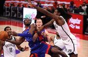 НБА. Детройт без Михайлюка обыграл Бруклин, разгромное поражение Хьюстона