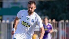Источник: Динамо планирует подписать полузащитника Десны