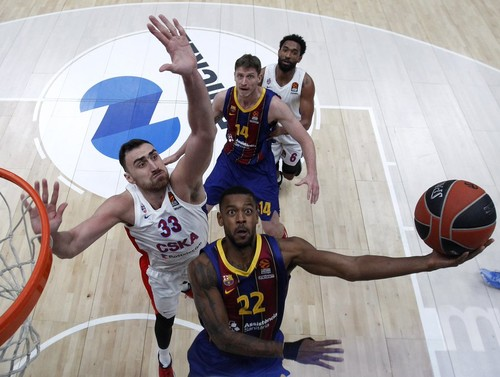 Пустовой помог Барселоне обыграть ЦСКА в центральной игре тура