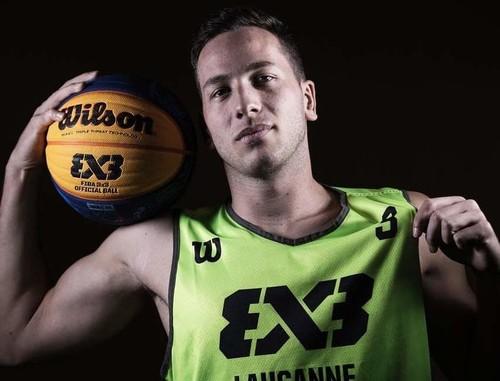 Баскетболист сборной Швейцарии публично совершил каминг-аут