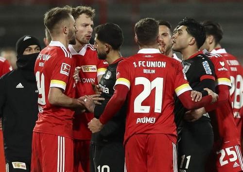 Унион Берлин – Байер – 1:0. Видео гола Тойхерта и обзор матча