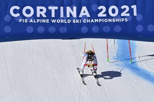 Горные лыжи. Гут-Бехрами – чемпионка мира в супергиганте