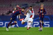 КАРИКАТУРА ДНЯ. Футболісти Барселони не змогли втримати Мбаппе