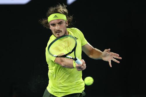 Циципас стал 3-м теннисистом, сумевшим отыграться с 0:2 по сетам у Надаля