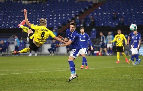ВІДЕО. У високому стрибку! Холанд забив феноменальний гол у ворота Шальке