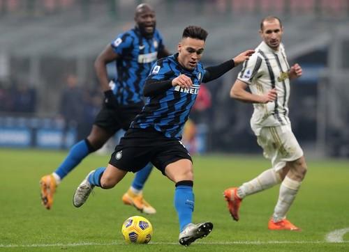 Ярче фейерверка. Интер переиграл Ювентус в Derby d'Italia