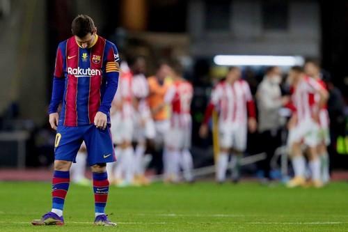 Один раз за 753 игры. Месси удален впервые в клубной карьере за Барселону