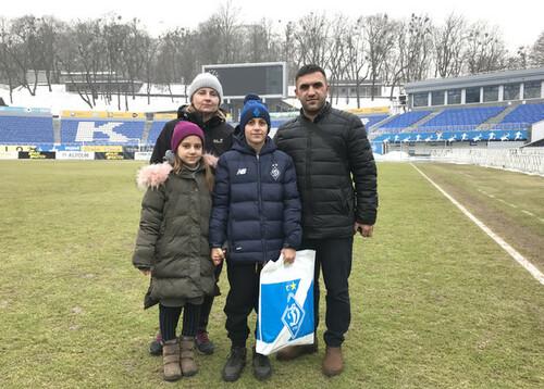 Юный футболист, которого ранили в Тернополе, посетил стадион Динамо