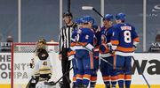 НХЛ. 7 шайб Айлендерс, Вашингтон бьет Питтсбург, победы Виннипега и Чикаго