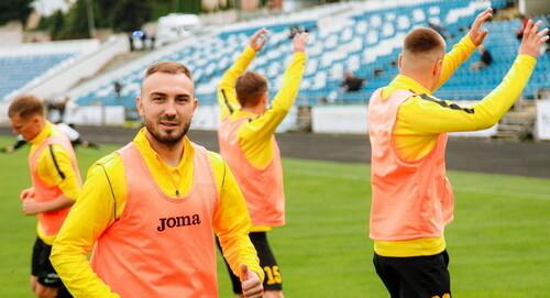 На просмотре в Буковине 12 футболистов