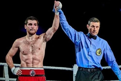 Тотальная доминация. Украинский боксер победил россиянина в Москве