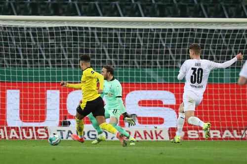 Санчо забил. Дортмунд выиграл битву двух Боруссий и вышел в полуфинал Кубка