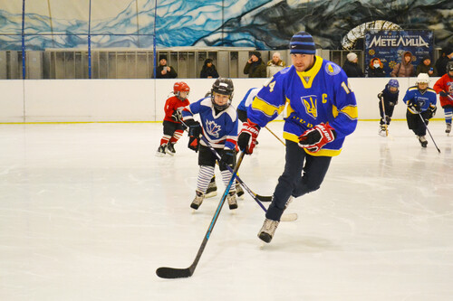 Впервые в Запорожье: УХЛ провела «Тренировку со звездой» в новом городе
