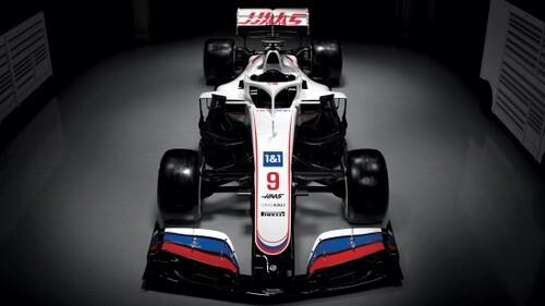 ФОТО. Команда Формулы-1 показала новую расцветку. В виде флага России