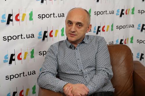 Олег СОБУЦКИЙ: «Премиальные везу лично на автобусе в Волочиськ»