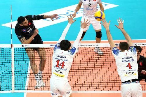 В волейбольных Кубках ЕКВ и Вызова стали известны финалисты