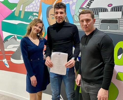 Молодий воротар Динамо підписав контракт зі спонсором Шахтаря