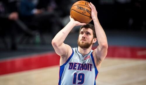 НБА. Украинец Михайлюк станет главным старожилом Детройта