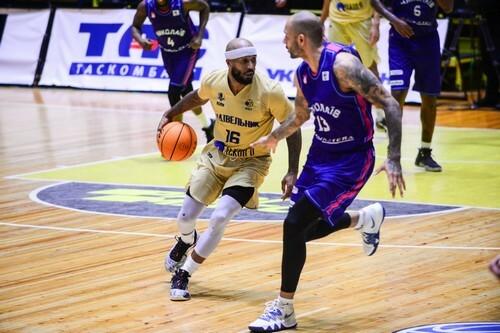 Баскетболист Будивельника установил новый рекорд сезона по ассистам