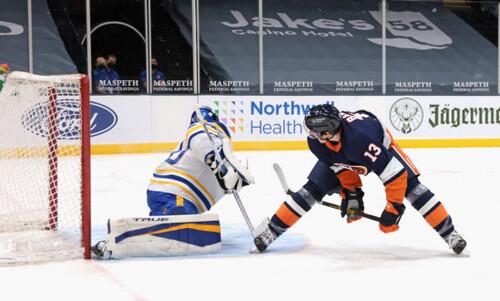 ВИДЕО. Великолепный гол форварда Айлендерс в матче НХЛ