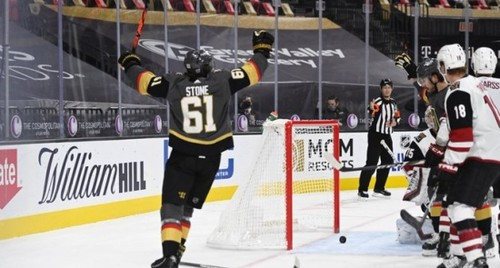 НХЛ. 6 шайб Баффало, перемога Торонто, камбеки Вегаса і Сент-Луїса