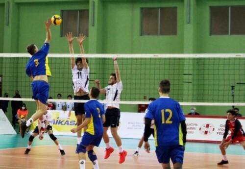 Украинские юноши проиграли сверстникам из Беларуси на турнире EEVZA