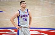 НБА. 11 очков Михайлюка не спасли Детройт от поражения Шарлотт