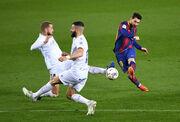 Месси сделал дубль и повторил рекорд Хави. Барселона уничтожила Уэску