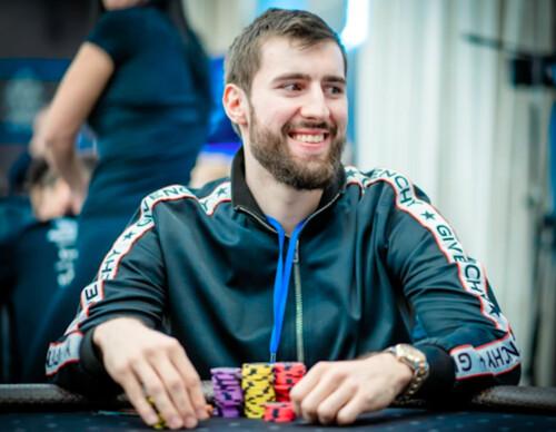 Известный белорусский игрок проигрывает и с алкоголем и без него