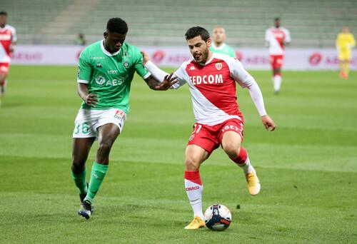 Монако отправил 4 мяча в ворота Сент-Этьена и продолжает чемпионскую гонку