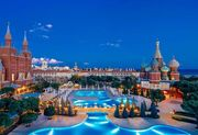 ФОТО. Мариуполь поселился в отеле в Турции, который похож на Кремль