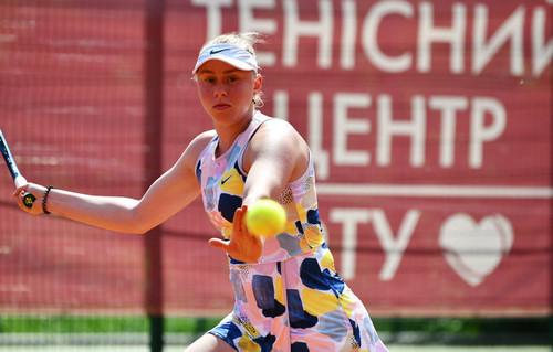 Лопатецкая проиграла матч россиянке, выиграв первую партию 6:0