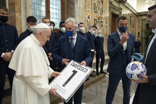 Папа римський особисто привітав Спецію після перемоги над Ромою
