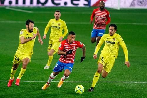Пако не забил пенальти. Вильярреал не смог вырвать 3 очка в игре с Гранадой