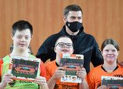 Футболисты Шахтера посетили тренировку для детей с особенностями развития