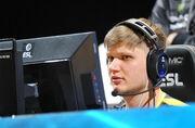 Украинец s1mple стал лучшим игроком своей группы на ESL Pro League