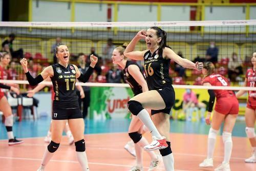 Вакифбанк стал вторым финалистом женской волейбольной Лиги чемпионов