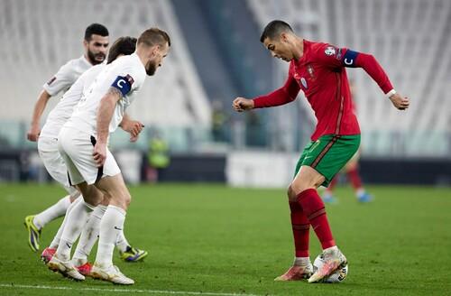 Роналду на высоте. Португалия и Сербия начали отбор к ЧМ с побед в группе А