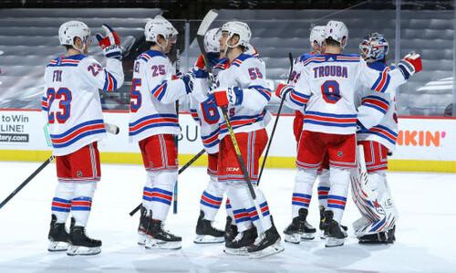 НХЛ. 8 шайб Рейнджерс, 4 голи форварда Нешвілла, поразка Тампи