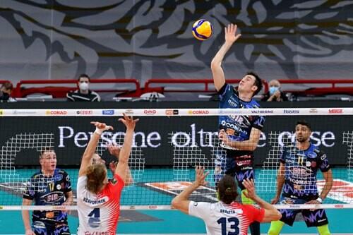 Олег Плотницкий помог Перудже выиграть первый полуфинальный матч Серии А