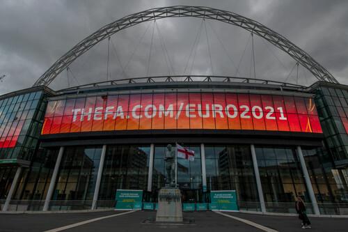 Источник: УЕФА готов перенести матчи Евро-2020 в Лондон и Санкт-Петербург