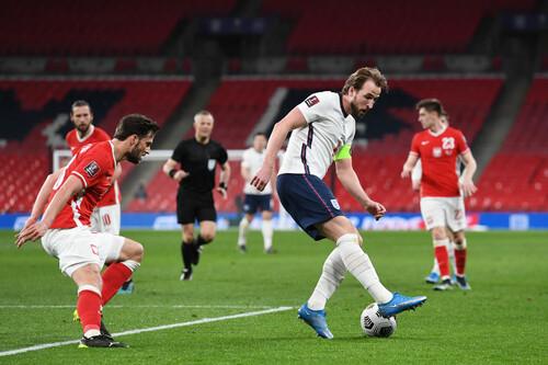 Англія завдала поразки Польщі з голами Кейна і Магуайра