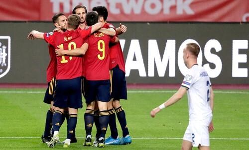 Группа В. Победа Испании, Грузия отобрала очки у Греции