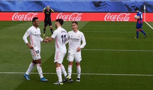11 матчей без поражений. Реал выиграл и обошел Барсу, Бензема снова забил