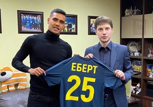 ФОТО. Он уже играл в Украине. Металл подписал воспитанника Интернасьонала