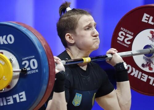 Триумф в России. Украинская тяжелоатлетка завоевала 3 золота на ЧЕ в Москве